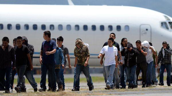 Servicios de salud y transporte gratuitos para retornados a México