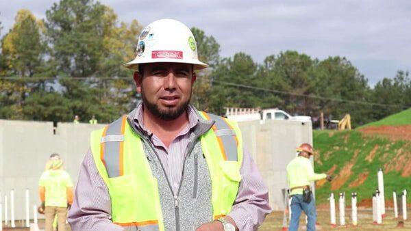 De albañiles a dueños de una constructora, los hermanos Tafolla dan empleo a más de 100 latinos