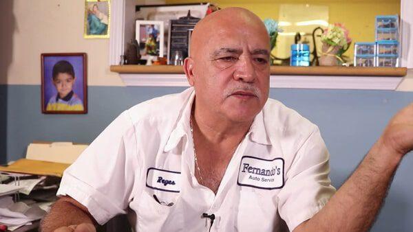 Se salvó de la deportación y ahora es dueño de un taller mecánico en Estados Unidos