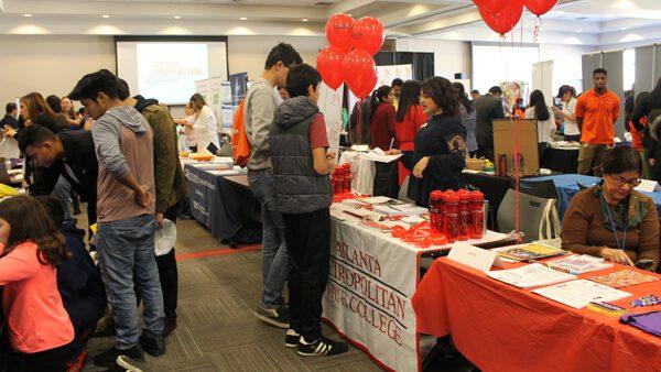 Feria académica entre México y Estados Unidos llega a la CDMX: visas y ayuda financiera