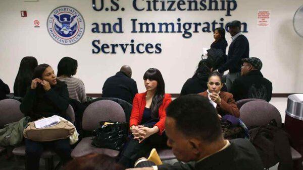 USCIS continúa enviando notificaciones de recibo para extensión del estatus Residente Permanente Condicional