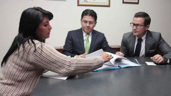 """En México obtén ayuda legal gratis con la organización """"Sin Fronteras"""""""