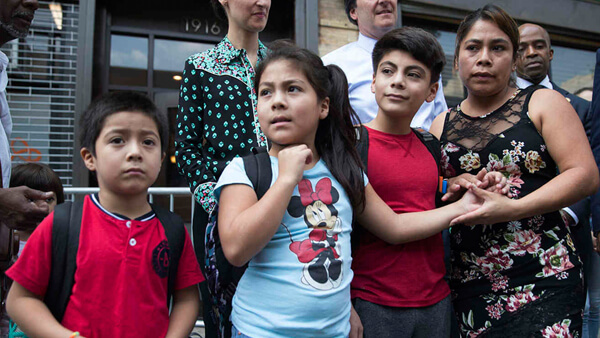 Nueva York emitirá una tarjeta de identidad que incluye a migrantes para obtener servicios de salud con costo reducido
