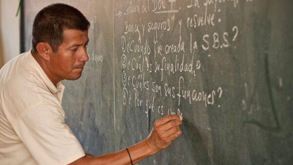 Plataforma que permite a maestros mexicanos trabajar en Estados Unidos
