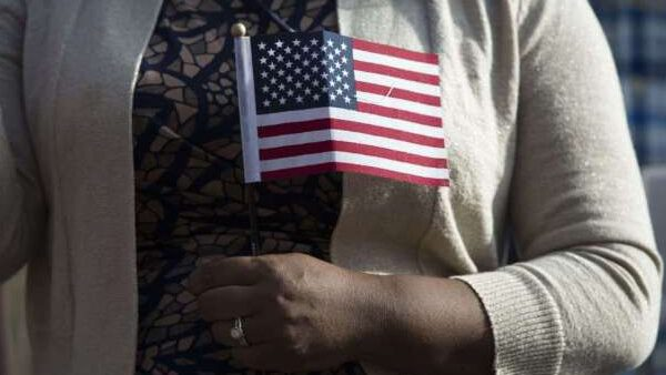 ¿Quiénes son candidatos para obtener la residencia legal en EUA mediante un empleo?