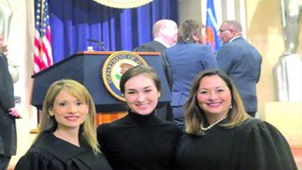 Dos abogadas latinas buscan defender derechos de inmigrantes