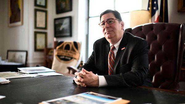 Alcalde de Pittsburgh abre las puertas a inmigrantes