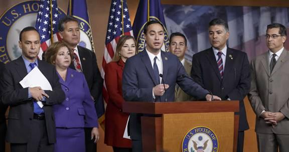 Caucus Hispano propondrá ley que daría ciudadanía a miles de indocumentados