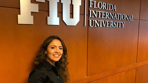 Universidad de Florida lanza convocatoria de becas para hispanos