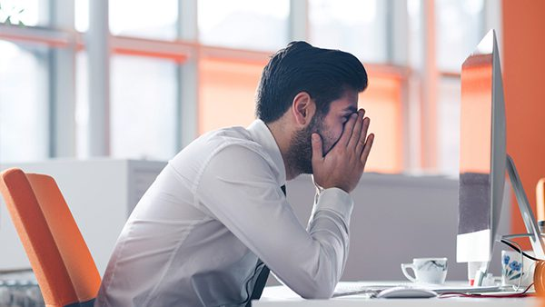 El estrés causa colitis nerviosa