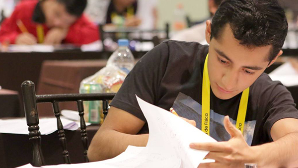 Estudiante mexicano aceptado en 9 universidades