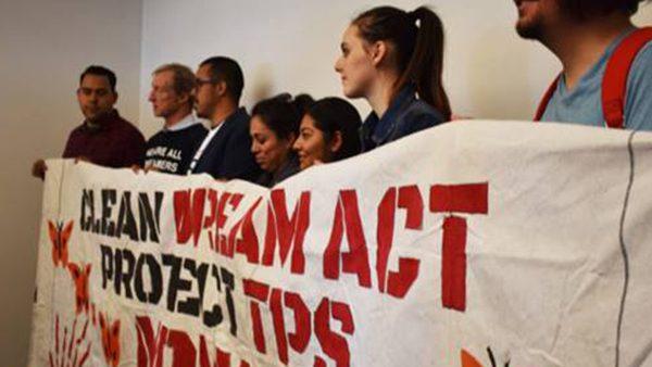 """Piden a Congreso protección a """"soñadores"""""""