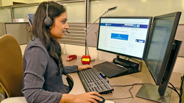 USCIS tiene nuevo sistema de atencion telefonica