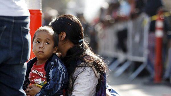 Rehabilitan plan para que migrantes puedan pedir asilo