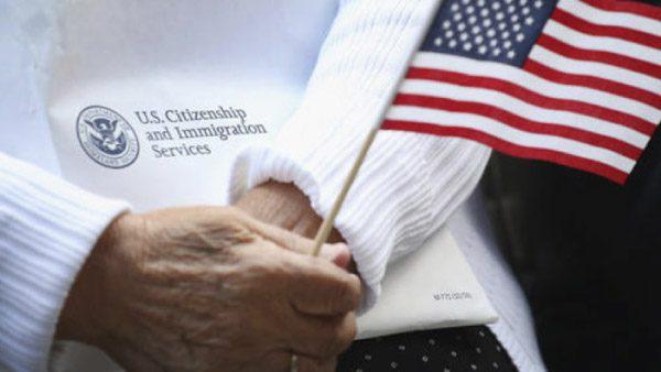 Ciudadanízate y Chicanos por la causa, dos programas que debes conocer