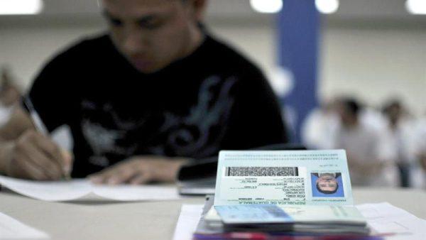 USCIS hace cambios en los formularios de naturalización y ciudadanía