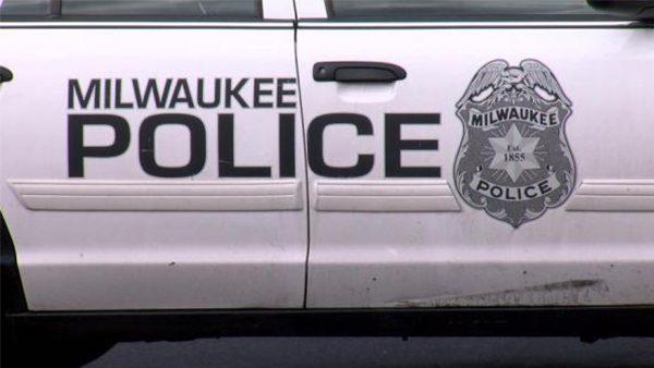 Bomberos y policías de Milwaukee dejarán de colaborar con ICE