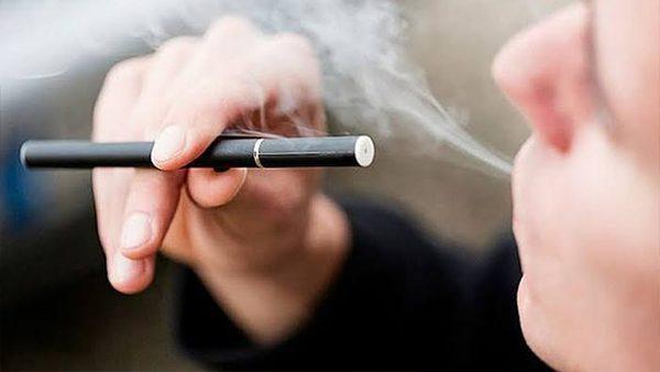 Cigarros electrónicos un peligro latente para los pulmones