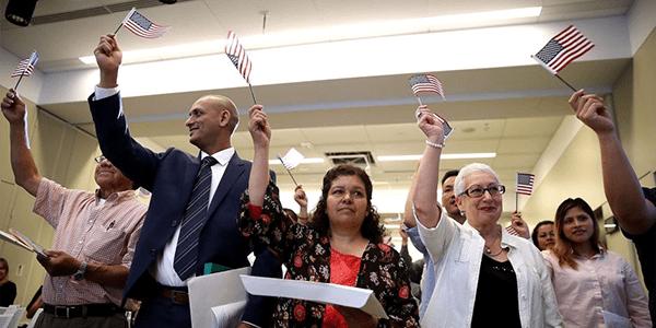 Condado de Dakota del Norte seguirá aceptando inmigrantes