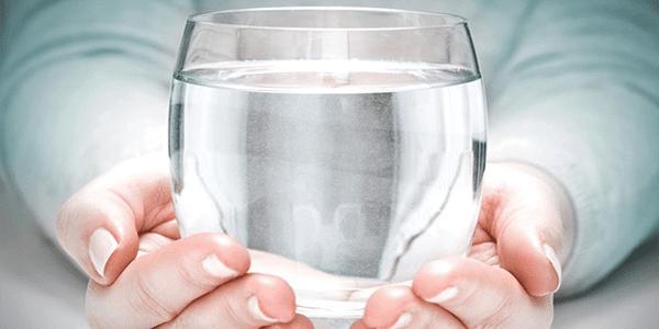 Conoce los beneficios de tomar agua