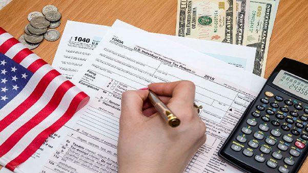 Inmigrantes e indocumentados deben presentar su declaración de impuestos