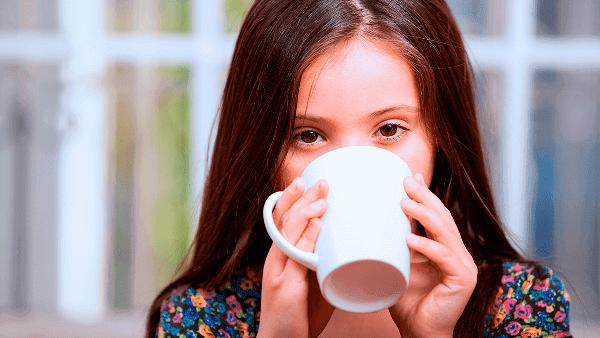 Razones por la que los niños no deben tomar café