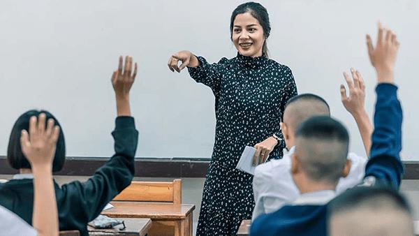 Inmigrantes pieza clave en la educación académica durante COVID-19