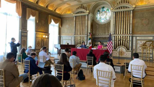 Presidente norteamericano firma acuerdo a favor de los hispanos-latinos