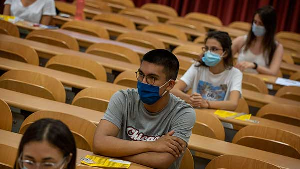 La Universidad de Minnesota ayudará a estudiantes inmigrantes