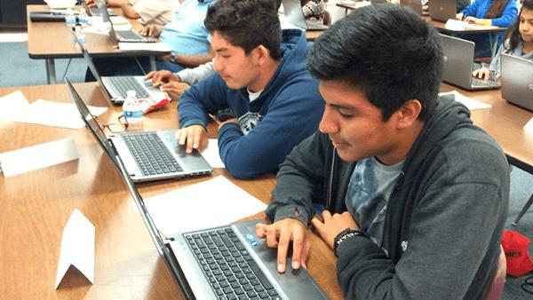 Inmigrantes pueden terminar sus estudios en Estados Unidos