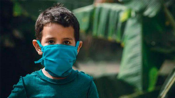 Niños asintomáticos pueden propagar el coronavirus por semanas